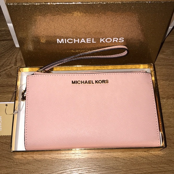 2b58e8aecf86 Michael Kors Bags | 1 Day Salemk Jetset Travel Double Zip Wristlet ...